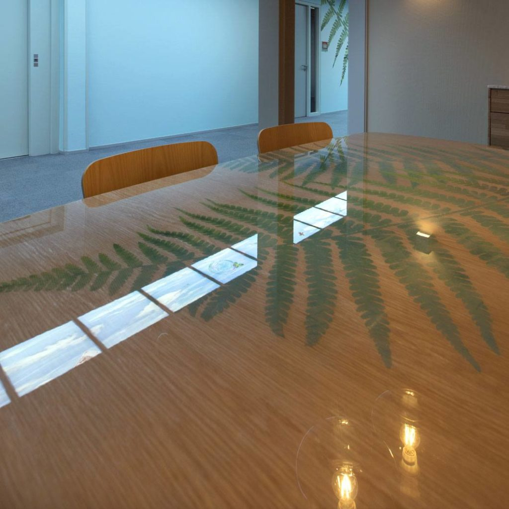 Table design created to enhance the corporate identity of Werkse (an employment agency for people with poor job prospects)! The wooden pattern remained visible. If you have any enquiries, please contact us.